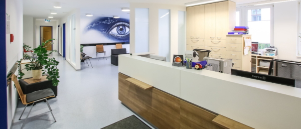 Empfangsbereich Augenzentrum Chemnitz, MVZ DerArzt