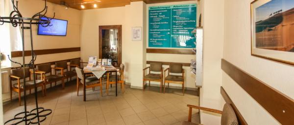 Empfangsbereich Augenzentrum Werdau, MVZ DerArzt